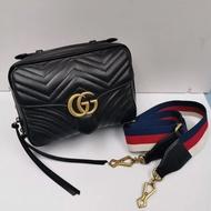 【Go時尚】GUCCI Marmont matelasse 雙G 白紅藍織帶手提/斜背包