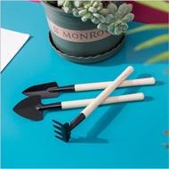 ส่งฟรี [เครื่องมือจิ๋ว3ชิ้น]อุปกรณ์ปลูกต้นไม้จิ๋ว-ชุดเครื่องมือจิ๋ว3ชิ้น-ปลูกดอกไม้-แคคตัสและไม้อวบน้ำ