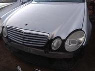 賓士 BENZ W211 E320 零件車拆賣大燈保桿尾燈引擎蓋座椅葉子板儀表板HID大燈尾燈音響ABS