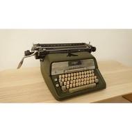 德國ADLER古董打字機