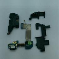 HTC Butterfly 2 二手零件 (原拆) 尾插排+固定座 (編號36-1)