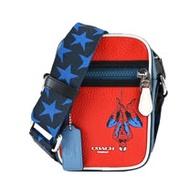 COACH MARVEL聯名蜘蛛人前拉鍊斜背包(藍黑X邁阿密紅)