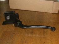SYM RV150 / 180 左後煞車主缸 左後油壓主缸 油壓總泵 油缸 ( 台製副廠) 左後 附拉桿+開關