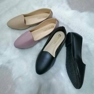 รองเท้าคัทชู ไซส์ใหญ่ 41-45 หนังนิ่ม  ใส่สบายเท้าจ้ารองเท้าคัดชู รองเท้าคัทชู หนัง หญิง ส้นกลมสูง องเท้าดำ รองเท้าชุมชน รองเท้าพยาบาล รองเท้าส้นเตี้ยหัวตัด แบบเปิดส้น รองเท้า คัชชูเจลลี่ รองเท้าผู้หญิง สวย นุ่มสบายเท้า