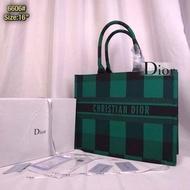 พร้อมส่ง กระเป๋าแฟชั่น เป็นแฟชั่นที่นิยมกันอย่างแพร่หลาย แบรนด์ DR Di ออor ลายขนาด 16นิ้ว กระเป๋าสะพาย กระเป๋าสะพายข้าง กระเป๋าถือ กระเป๋าเดินทาง กระเป๋าสตางค์ กระเป๋าเป้ กระเป๋าคาดอก กระเป๋าผู้หญิง กระเป๋าแบรนเนม กระเป๋าหนัง กระเป๋าใบเล็ก กระเป๋าพกพา