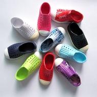清倉native兒童洞洞鞋男女防滑夏季軟底涼鞋寶寶包頭親子沙灘鞋
