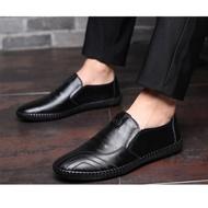 รองเท้าคัชชูผู้ชาย พื้นนิ่ม งานยางผสมพีวีซี ทนคุ้มค่า งานคุณภาพ ราคาย่อมเยาว์ รองเท้าหนังสุภาพบุรุษ (สีดำ) 💥LISA Store💥