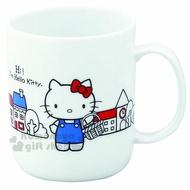 〔小禮堂〕Hello Kitty 日製陶瓷馬克杯《白.站姿.提籃.房子》