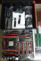 I7-5960X + GA-X99-SOC-CHAMPION + DDR4-2400 16G*2 MB盒裝配件如圖
