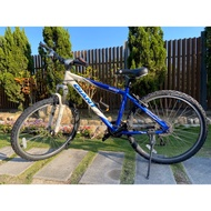 捷安特腳踏車 Giant 登山車 24速 藍白 17吋 二手車