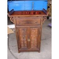 小o結緣館仿古傢俱.................2尺7單抽雙門拉板翹頭刻蝠神桌櫃(雞翅木)81x48x106
