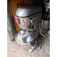 一貫攪拌機 20公升攪拌機。一桶一勾一扇