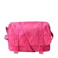 美眉愛亂買 Kipling TM5162 螢光粉紅尼龍大容量郵差包斜背包