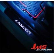 三菱 GRAND LANCER  門檻迎賓踏板 冷光踏板 類碳纖飾板 每組4片☆JMS君鎂汽車冷光