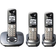 (REFURBISHED) Panasonic KX-TG6433M Digital 6.0 DECT 3-Handsets Cordless Phone (Export).