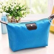 Sriwika Bag - Cosmetic Bag กระเป๋าใส่เครื่องสำอางค์ กระเป๋าสตางค์ กระเป๋าใส่เหรียญ กระเป๋าใส่ของกระจุกกระจิก กันน้ำ สะดวกในการพกพาและจัดกระเป๋าเดินทาง ขนาด 18.5*13 ซม.