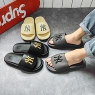 YY2021รองเท้าคัดชูผญ รองเท้าคัชชู ผช รองเท้าผู้ชายadias อื่นๆ ซื้อ 1 แถม 1 รองเท้าหูหนีบแตะกีโต้ รองเท้าคัชชูดำ รองเท้าเปิดส้นชาย รองเท้าแตะหญิง รองเท้าแตะหญิง รองเท้าโอนิสกะ รองเท้าแตะชาย รองเท้าผ้าใบผญ รองเท้าแตะ รองเท้านักเรียนสีดำ สีพื้น รองเท้าลุยน้ำ