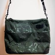 原價$6180 / Kangol 郵差包 肩背包 壓紋迷彩 真皮限量款 porter