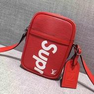 Supreme x Louis Vuitton 單肩包