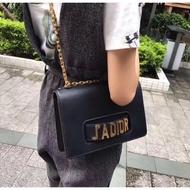 Dior 專櫃新款 J'ADIOR 標誌 手挽 掀蓋包 手拿包 側背包 斜背包 肩背包J'ADIOR