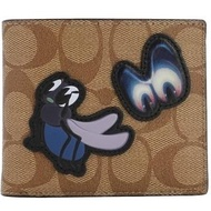 【COACH】Disney X Coach暗黑童話系列焦糖咖啡經典LOGO男用8卡短夾-附票卡夾
