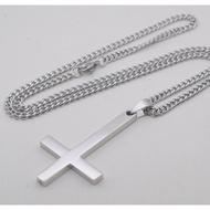 男士項鍊鈦鋼首飾歐美倒十字架個性小飾品