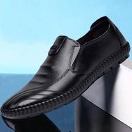 ฤดูใบไม้ร่วงใหม่ของผู้ชายรองเท้าลำลองผู้ชายเหยียบ รองเท้าธุรกิจแฟชั่นรองเท้าหนังลำลองMen's leather shoes รองเท้าผู้ชาย รองเท้าผ้าใบผช รองเท้า รองเท้าคัชชู ผช