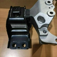 Serena C26 Original Right Engine Mounting