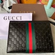 Gucci男用手拿包