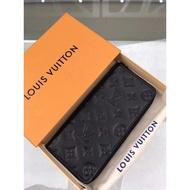 正品代購 LV PORTEFEUILLE ZIPPY VERTICAL M62902 黑色經典花紋皮革壓紋拉鍊長夾