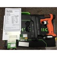 BLACK&DECKER 12V MAX USB釘槍 +LED工作燈+USB鋰電池(附USB電源線)