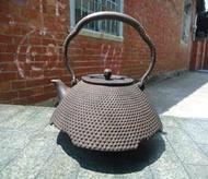 早期日本.鐵製.*南部老鐵壺*.把手鑲銀鐵壺...
