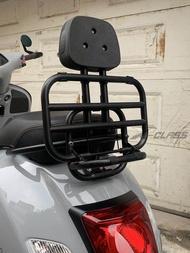 รถจักรยานยนต์ด้านหลังพนักพิงสนับสนุนวงเล็บกระเป๋าเดินทางอลูมิเนียมอุปกรณ์เสริมสำหรับVESPA...