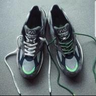 New balance x Madness990系列余文樂跑鞋ㄡ
