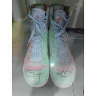 Kobe 親簽 what the Kobe 9