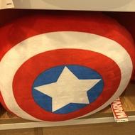 預購MINISO名創優品漫威復仇者Marvel周年紀念靠枕抱枕枕頭美國隊長盾牌