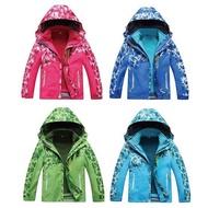 【好買商城】兒童防風迷彩造型防雨三穿外套 兩件式防風雨三穿保暖外套防風、保暖、防潑水 兒童款兩件式外套(999元)
