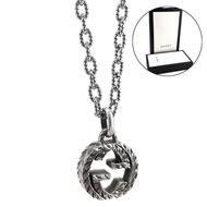 【GUCCI 古馳】復古925純銀雕花 Interlocking G 雙G墜飾項鍊(男款)