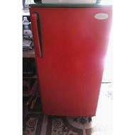 ตู้เย็น 1 ประตูสีแสด มือสองอุปกรณ์ครบ เสียบปลั๊กใช้งานได้ทันที ** ลูกค้าต้องมารับสินค้าด้วยตัวเองเท่านั้น**