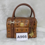 กระเป๋า MCM(เอ็มซีเอ็ม) original หนัง ทรงหมอน ของแท้ 100% A966