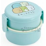 〔小禮堂〕角落生物 日製圓形塑膠雙扣雙層便當盒《淡綠.坐姿》500ml.保鮮盒.餐盒