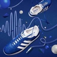 潮流新色Adidas Originals Gazelle復古麂皮燙金款經典休閒運動鞋水原希子Kiko Kris 寶石藍