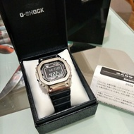 CASIO G-SHOCK GMW-B5000-1 鋼殼膠帶