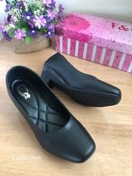 160563 รองเท้าคัชชูเพื่อสุขภาพ ทรงหัวตัดหนังนิ่ม