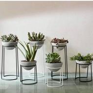 rak pot bunga dari besi- standing pot UK 25cm - rak pot bunga murah