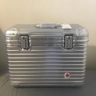 Rimowa topas pilotcase Vodafone 英國電信聯名款 絕版全新 兩輪 機長箱 紅內襯