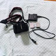 二手 Canon EOS 650D 單眼相機 + EFS 18-55mm鏡頭,可觸控螢幕操作
