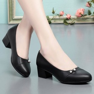 ZAZA คัชชูผู้หญิงดำ ผู้หญิงเพชรหนังรองเท้าส้นเตี้ยnเกาหลีสไตล์รองเท้าใส่ในบ้านนุ่มสบบายLadyหนาลื่นรองเท้าทำงาน2021ใหม่