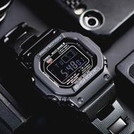 【CASIO 卡西歐】G-SHOCK 經典潮流太陽能電波錶(GW-M5610BC-1)