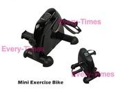 จักรยานปั่นออกกําลังกาย  Mini Bike อุปกรณ์ออกกําลังกาย ที่บ้าน เครื่องออกกําลังกายจักรยาน ออกกําลังกายลดพุง  เครื่องฟิตเนส Mini Exercise Bike (สีดำ) ที่ซิทอัพ ยางยืดออกกำลัง เครื่องวิ่งออกกําลังกาย เครื่องซิทอัพ ม้านั่งออกกําลังกาย ที่ออกกำลังกาย จักรยานอ